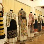 FOTO. O expoziție deosebită de costume tradiționale românești, la Muzeului Satului Bănățean