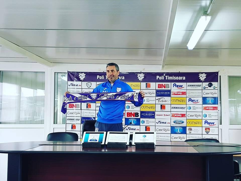 """Adrian Neaga, prezentat """"principal"""" la Poli Timișoara, după demiterea lui Leo Grozavu"""