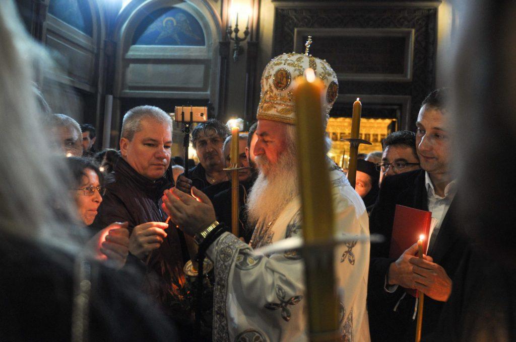 Învierea Domnului, întâmpinată noaptea trecută în toate lăcașurile de cult. Hristos a Înviat!