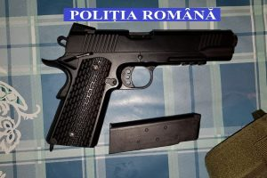 Descinderi la Sânnicolau Mare! Doi tineri săltați de polițiști