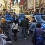 O mașină a intrat în mulțime, la Münster, în Germania. Trei oameni au murit și câteva zeci au fost răniți