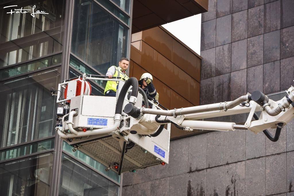 FOTO. S-a dat alarma la cea mai spectaculoasă clădire de birouri din Timișoara
