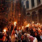 Sfânta Lumină de la Ierusalim va fi adusă sâmbătă seară în România
