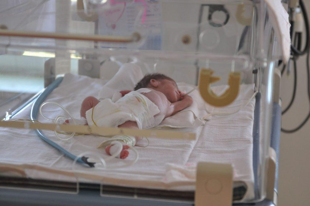 Ministrul Sănătății a solicitat o verificare la Spitalul Municipal cu privire la cazurile de nou născuți depistați pozitiv la COVID 19