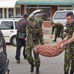 Militarii lugojeni le-au făcut sărbătorile mai frumoase unor bătrâni