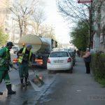 Atenţie, şoferi! Eliberaţi carosabilul să se spele străzile