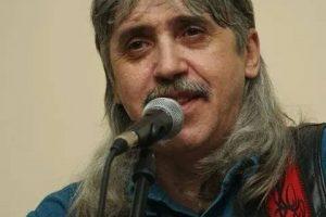 Veste tristă în lumea muzicii folk! Un îndrăgit cântăreț a murit la doar 47 de ani