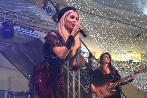 Andreea Bănică şi alţi artişti cântă în weekend la Sânnicolau Mare