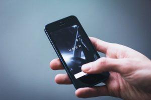 Timișorenii nu ar fi de acord cu interzicerea Uber și Taxify, așa cum plănuiește Guvernul