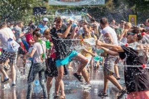 Bătaie cu apă şi concerte la Ziua Studenţilor Timişoarei