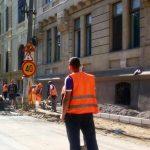 Drumarii intervin pe mai multe străzi și trotuare din oraș