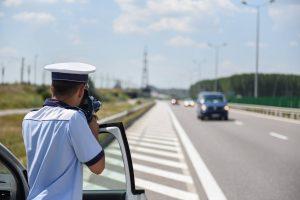 M.A.I.: Atunci când vă oprește, polițistul are obligația să se prezinte. Restul e legendă!