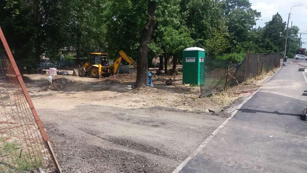 """Firma care reabilitează Parcul Alpinet a """"prăfuit"""" zona centrală a Timișoarei și a fost amendată!"""