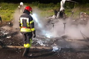 Incendiu la Arad. Trei rulote s-au făcut scrum