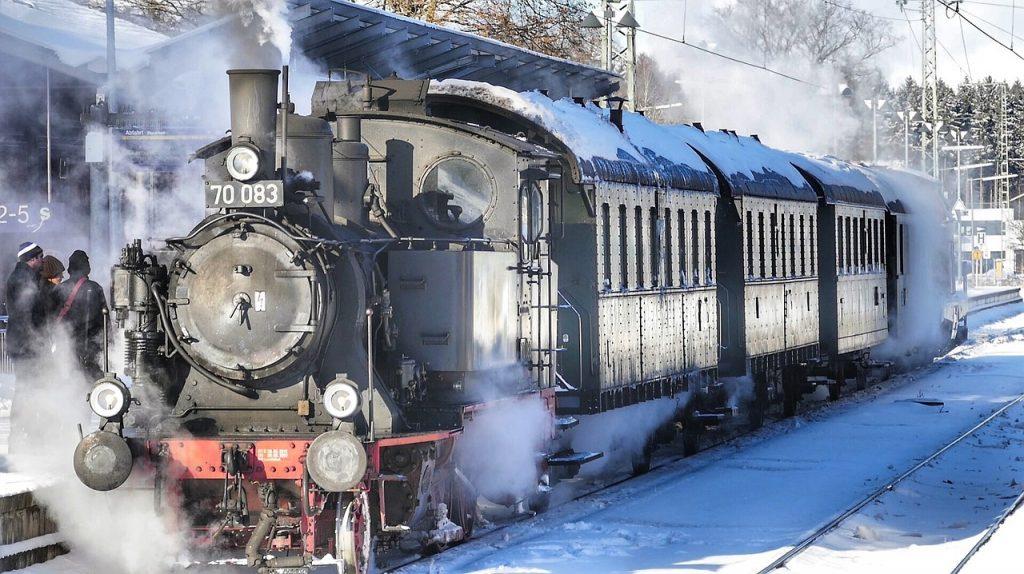 Un tren de epocă ar putea circula pe ruta Timișoara – Reșița