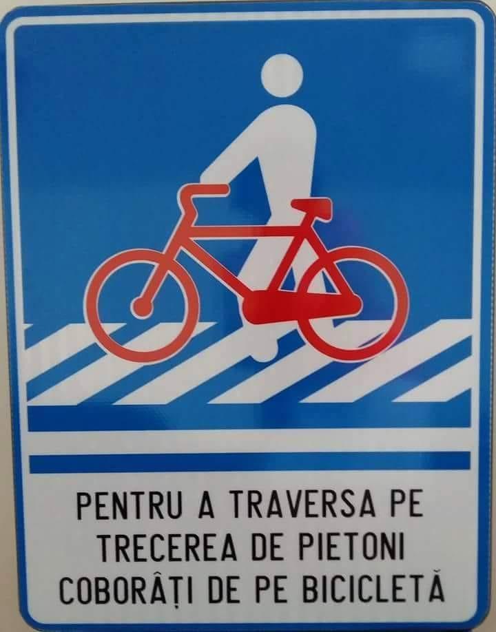 """Poliția Română: """"Coborâți de pe bicicletă când traversați o trecere de pietoni!"""""""