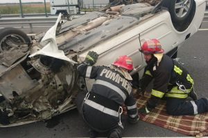 O persoană a ajuns la spital în urma unui accident pe A1