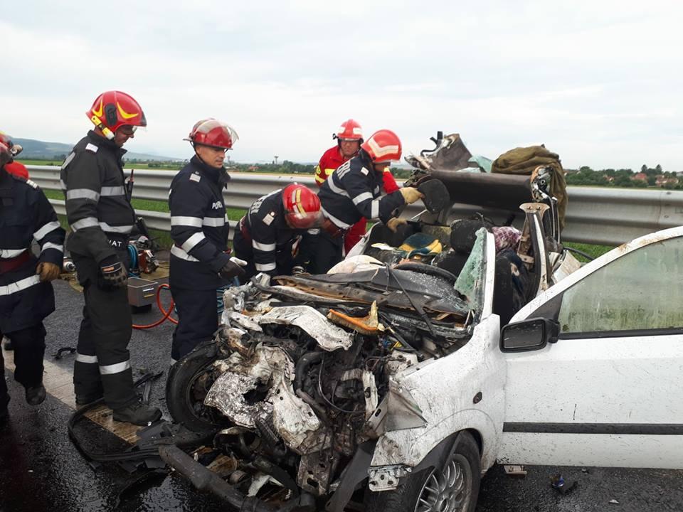 Imagini tulburătoare. 4 morţi şi 3 răniţi pe A1 după ce o mașină a intrat pe contrasens