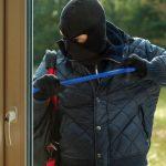 Cinci pași pentru siguranţa locuinţei tale când ești plecat în concediu