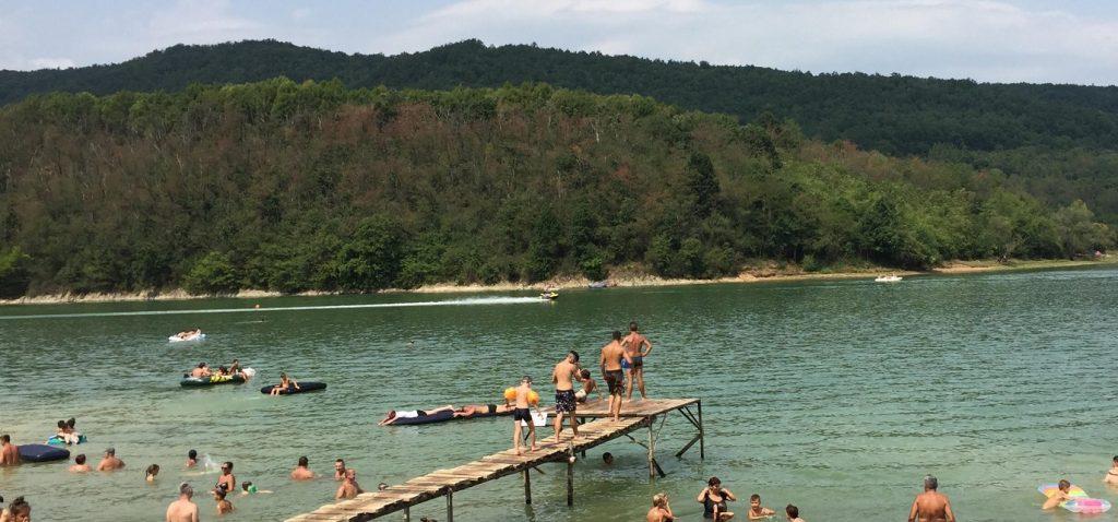 Drumul care duce la Lacul Cinciș va fi reabilitat