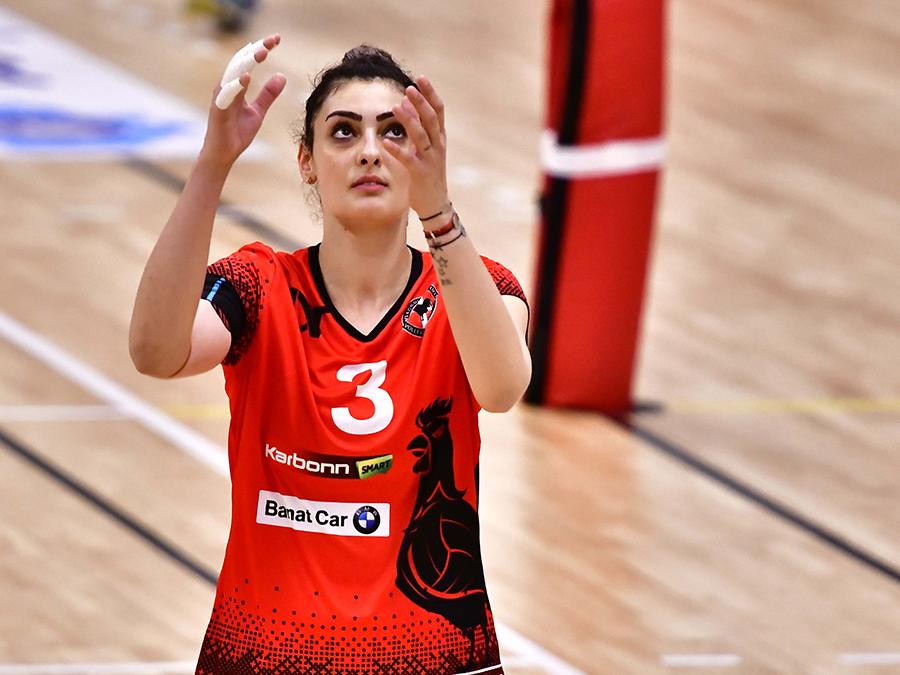 """Cea mai bună voleibalistă de la UVT Agroland, Roxana Bacșiș, pregătiri pentru un nou """"titlu"""": de mămică"""