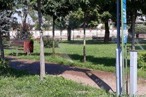 """Video: Timișoara își invită cetățenii și turiștii la """"dușuri"""" reci, prin parcuri"""