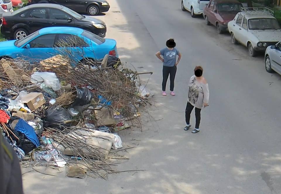 """Au aruncat gunoaiele la margine de drum și au crezut că scapă! Amenda vine cu ajutorul """"Big Brother"""""""