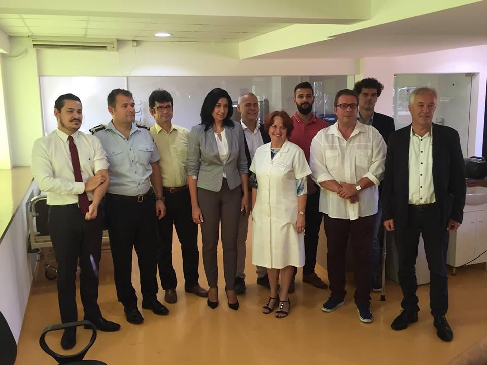 Corpul consular din Timişoara şi prefectul de Timiş au donat sânge la Centrul de Transfuzii