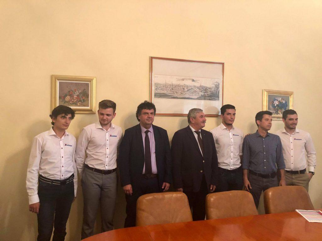 Studenții din echipa XVision, în drum spre premiul de 100.000 de dolari