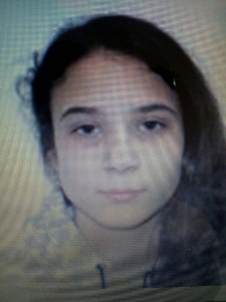 Încă o fată dispărută de acasă. Părinţii au anunţat poliţia