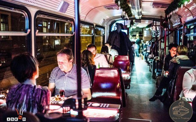 Timişorenii se pot plimba cu tramvaiul turistic. Călătoriile din prima zi sunt gratuite
