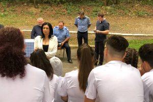"""Elevi din trei județe participă la tabăra """"Împreună pentru o comunitate mai sigură"""""""