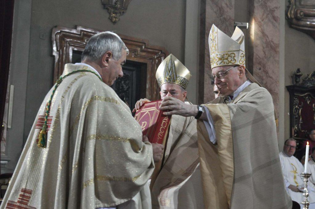Ceremonia de consacrare a noului episcop Joszef Csaba Pal