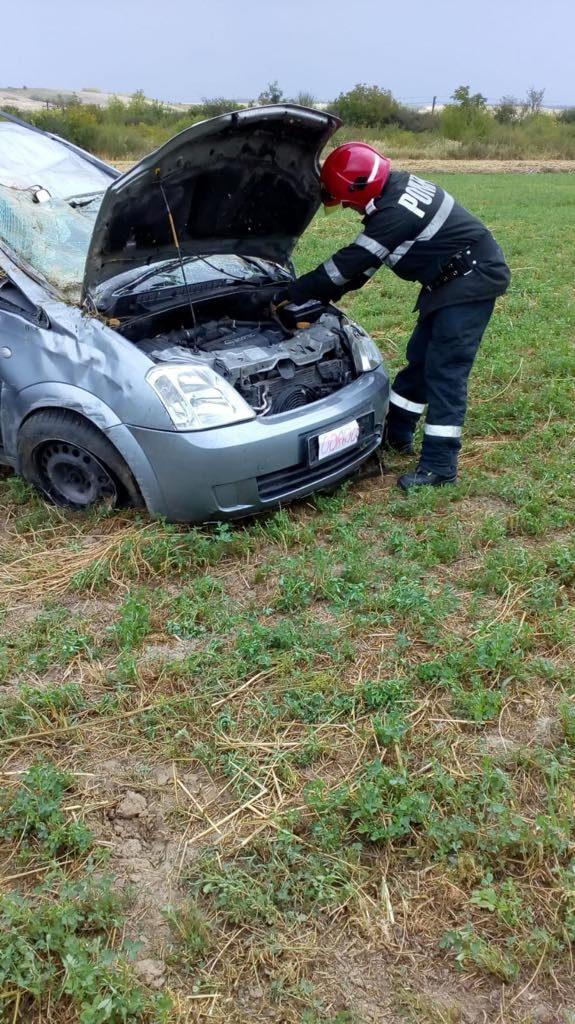 Mașină izbită de tren la Gătaia. Şoferul a murit pe loc