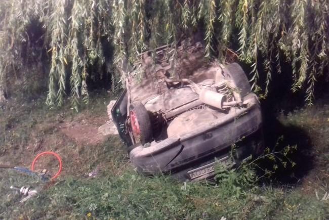 Accident în vestul ţării. Un tânăr de 34 de ani și-a pierdut viața după ce s-a răsturnat cu mașina