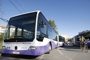 Primarul anunţă dublarea numărului de autobuze pe linia 33