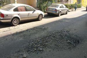 Continuă lucrările de asfaltare a străzilor și trotuarelor din Timișoara