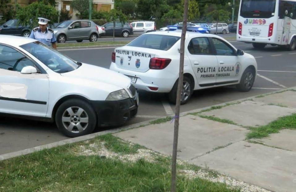 Femeie depistată de polițiștii locali conducând un autoturism cu numere expirate