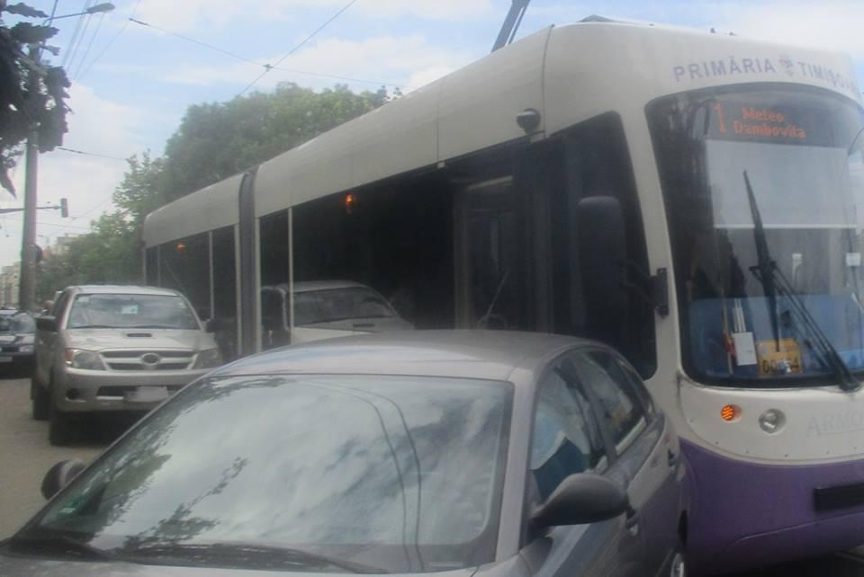 Zeci de şoferi amendaţi de poliţiştii locali din Timişoara. Ce au făcut