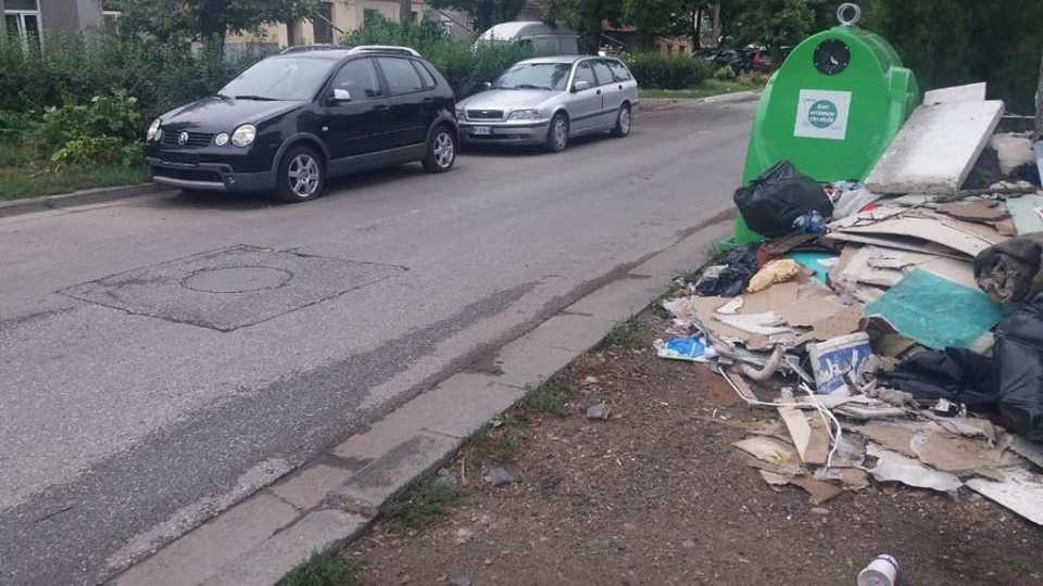 Amenzi pe bandă rulantă pentru cei care abandonează deșeuri