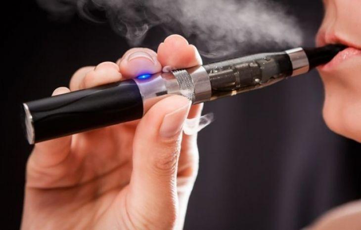 Ziua Mondială fără Tutun: tot mai mulţi tineri fumează țigări electronice