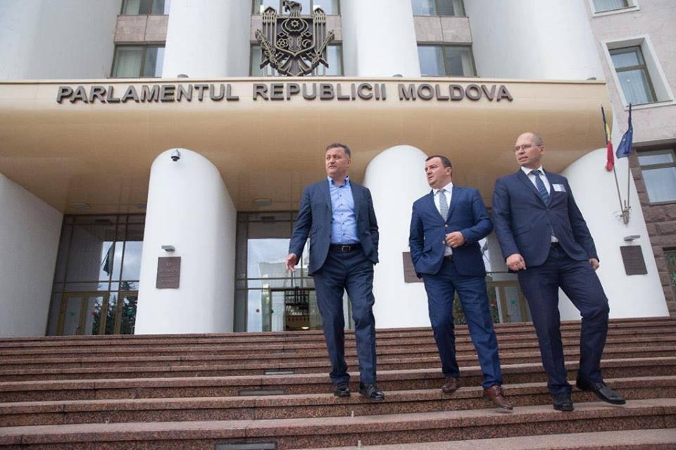 Șeful CJ Timiș, întâlnire cu oficiali din Nisporeni. Ce proiecte se vor materializa