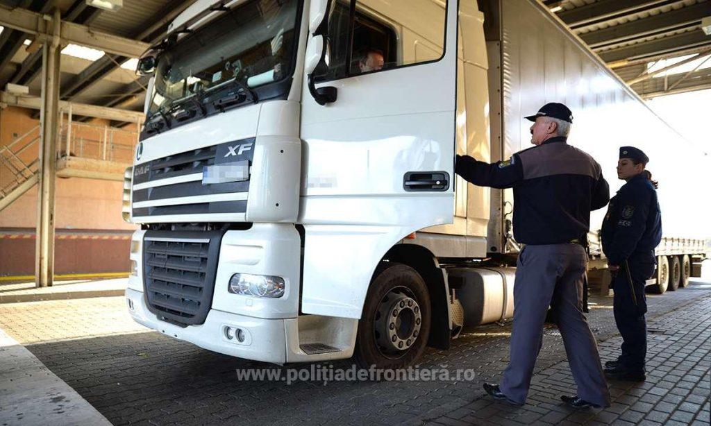 Marţi, continuă restricţiile de trafic pentru autocamioane, pe teritoriul Ungariei