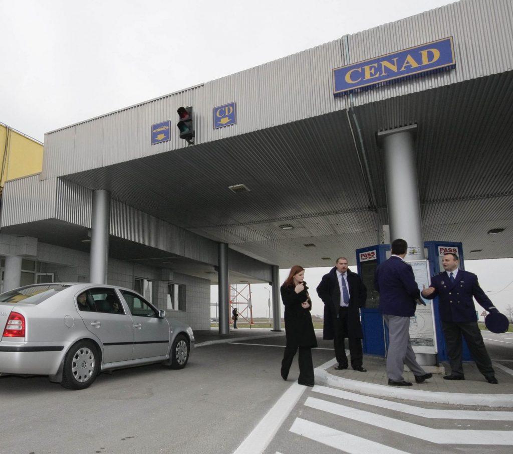Ştampilele de trafic false, descoperite în paşaportul unei tinere din Serbia