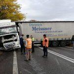 Traficul a fost blocat pe şoseaua ce leagă Timişoara de Arad