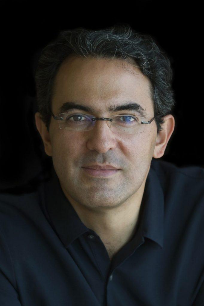 Cel mai important scriitor columbian al momentului deschide serile dedicate literaturii de la FILTM 2018