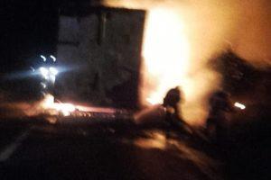 Incendiu pe o șosea din Caraș Severin