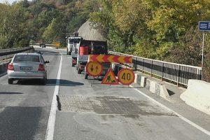 Consiliul Judeţean modernizează drumul Lucareț – limita județului Arad