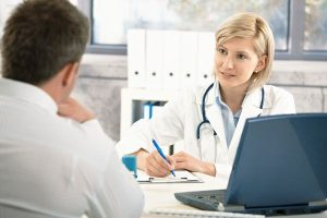 Medicii de la Spitalul Militar oferă consultații gratuite
