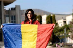O alpinistă din vestul ţării vrea să ridice steagul României, de Ziua Națională, pe vârful Margherita din Uganda